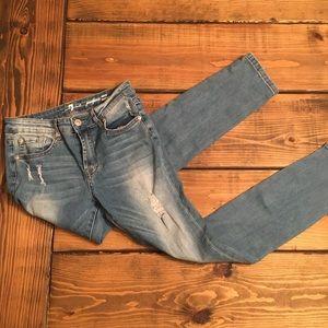 7FAM Distressed Josefina Skinny Lightwash Jeans